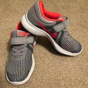 Shoes - Girls New Nike tennis shoes